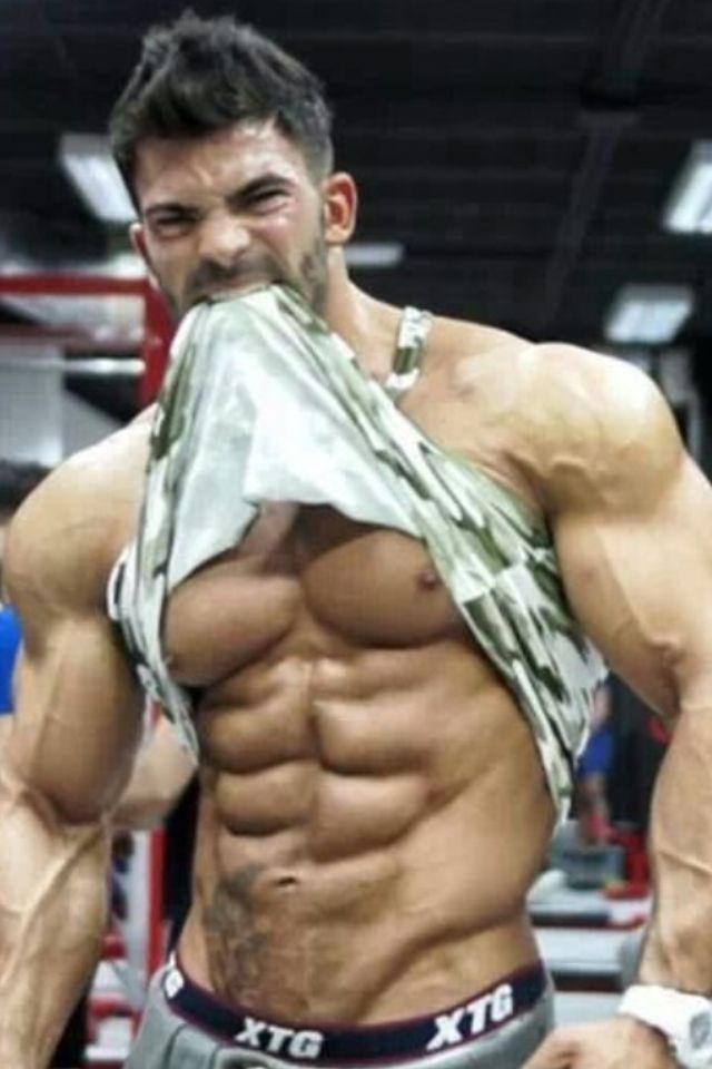 Sergi Constance killing it at the gym