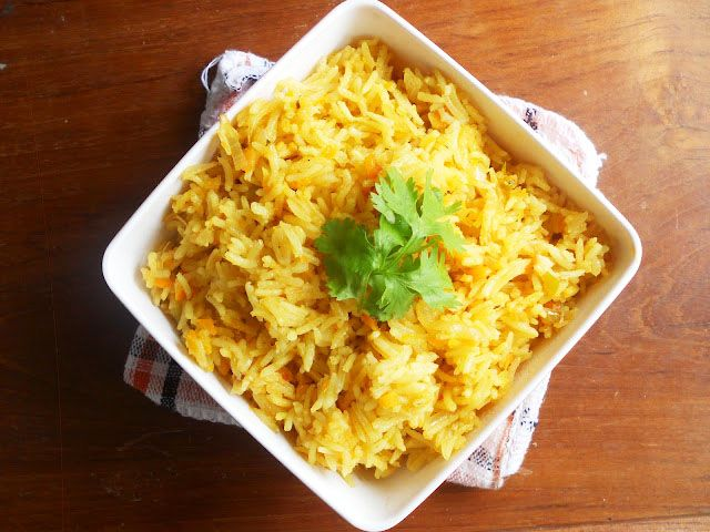 Easy Vegetable Pulav/Veg Pulao...step by step. http://www.nisahomey.com/2012/09/easy-vegetable-pulavveg-pulaostep-by.html