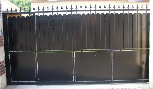 Portail avec portillon integr garden pinterest gates for Portail coulissant avec portillon integre