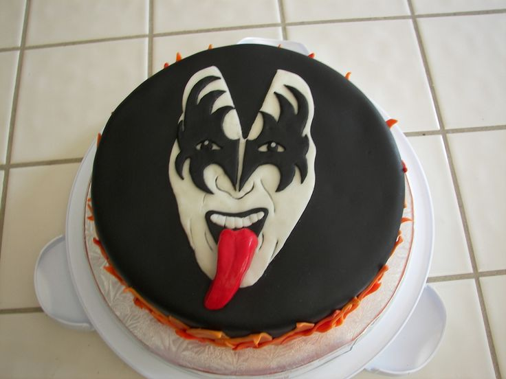 kiss birthday cakes   Red Velvet cake w/cream cheese frosting and filling. Everything else ...