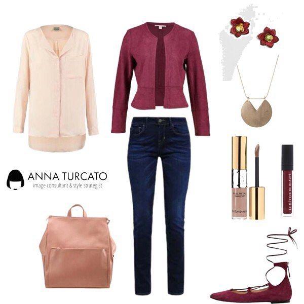 #Jeans and #suede.  In questa stagione non metteresti altro che i jeans?  Indossali con scarpe da ballerina, una blusa morbida e una giacca in camoscio che suggerirà il punto vita e snellirà la tua figura.  Opta per colori caldi e autunnali per uno #stile #chic e sensuale.  Abbina anche il trucco e non dimenticare un tocco #gold. #unlookalgiorno #outfitoftheday #lookoftheday #lookfortoday #outfitinspiration #outfit #red #taupe #personalshopper #personalstyle #style #stylist #imageconsultant…
