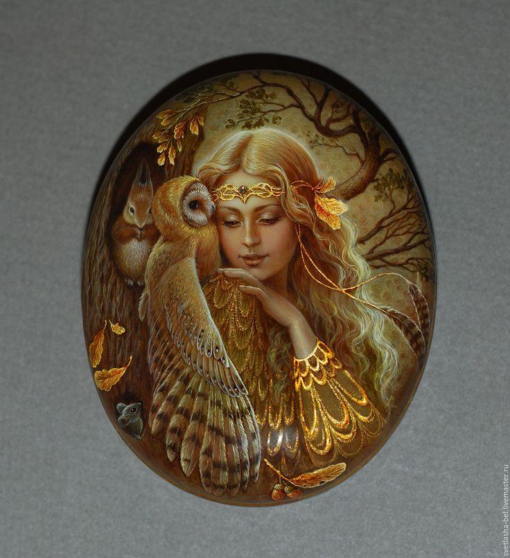 Купить Подружка Осень - разноцветный, лаковая миниатюра, Федоскино, живопись маслом, авторская ручная работа