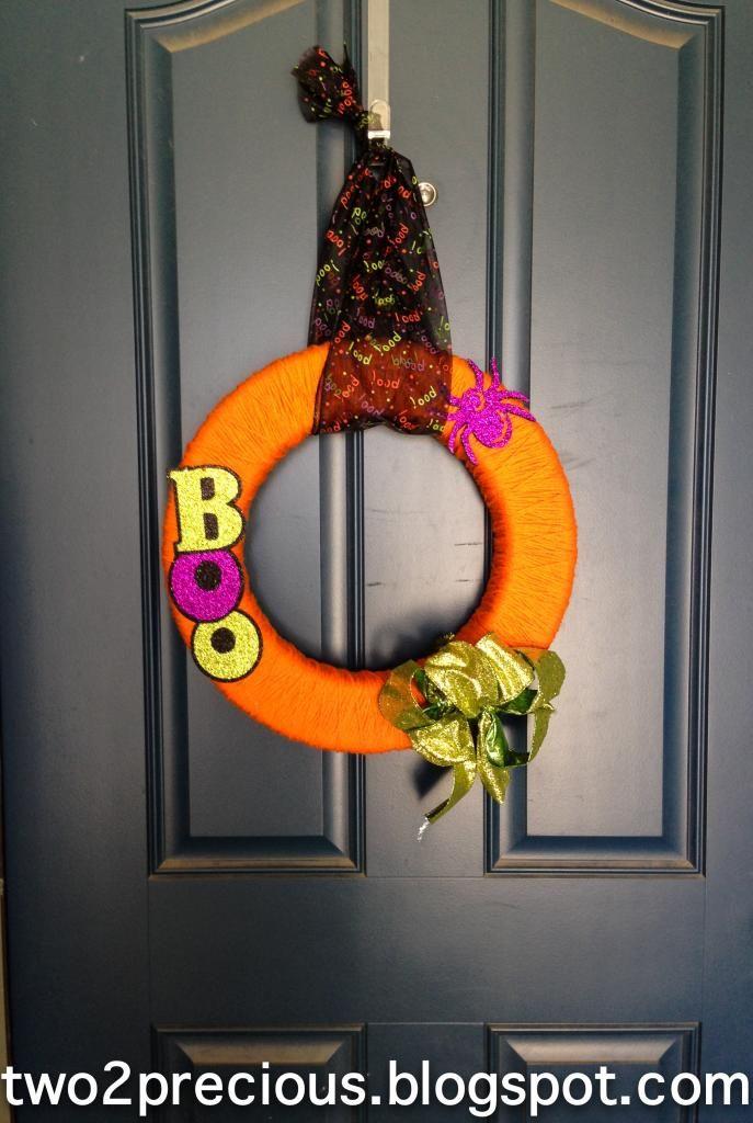 best 25 halloween yarn wreath ideas on pinterest door swag tutorial diy yarn wreath and yarn. Black Bedroom Furniture Sets. Home Design Ideas