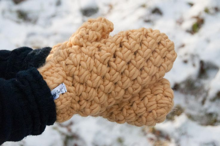 Bulky Mittens Crochet Pattern ★ Crochet pattern for the Bulky Mittens, a pair of big & warm mittens. ★ Perfect to keep your hands warm all winter long! ★ One-Size. ★ Skill level: EASY ★ Language: English / US crochet terms. The Bulky Mittens Crochet Pattern makes one-sized huge mittens. Consequently they will keep your hands warm all winter long. You'll easily stitch them up in just a couple of hours, because you'll use thick yarn & a big hook. However if you decide to fe