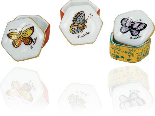 """Idee regalo per lei: scatoline dipinte a mano collezione """"Farfalle""""."""