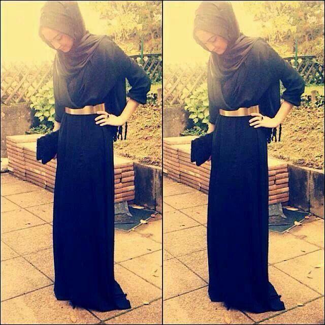 Plain black dress with gold belt $. $