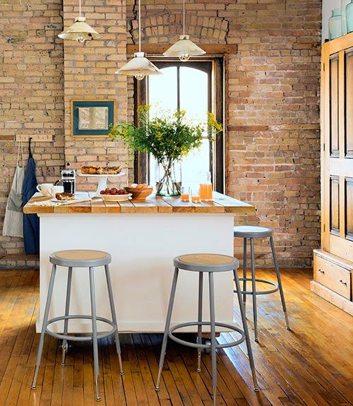 Mix and Chic: Home tour- A charming farmhouse-style loft!