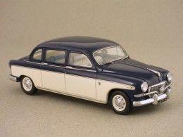 Fiat 1400B President Lombardi (Kess) 1/43e /  La Fiat 1400 (1950-1958), est ici dans sa version restylée de 1956 (1400B), au moteur plus puissant et au phare de brouillard placé au centre de la calandre. Mais elle est surtout en exécution President, allongée par la société fondée en 1947 par Carlo Francis Lombardi. La longueur de la 1400B passe alors de 4,30 m à 4,80 m. Cette reproduction Kess est un tirage limité de 250 exemplaires.