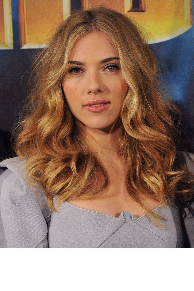 scarlett johansson ou le cam l on capillaire d hollywood couleur blond v nitien couleur. Black Bedroom Furniture Sets. Home Design Ideas