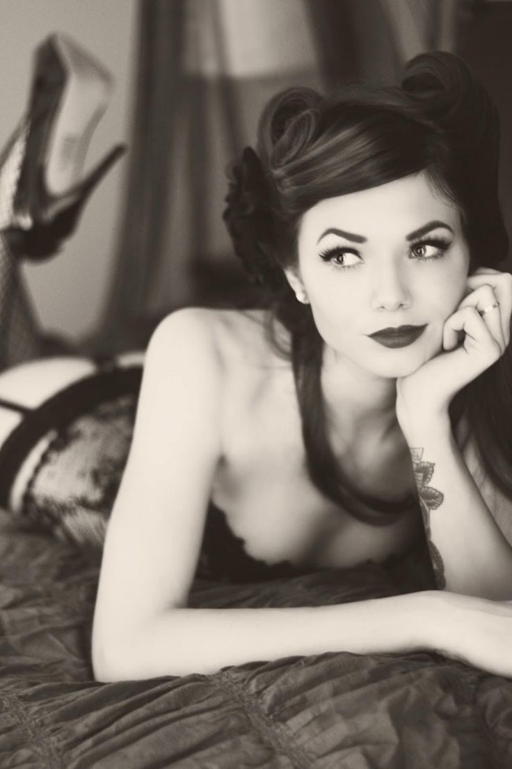 absolutely adore this for a shot!!! black & white too!| Pinup Girl  http://thepinuppodcast.com features pinup models and pin up photographers.