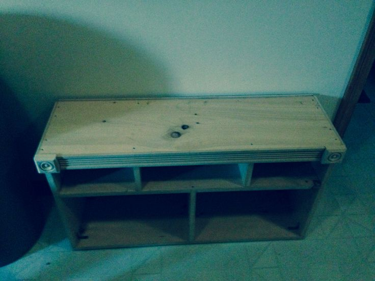 The bench I built to store boots