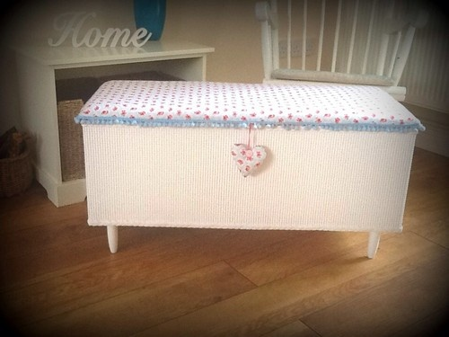 Beautiful Shabby Chic Vintage Rose Lloyd Loom Style Blanket Box/ottoman | eBay