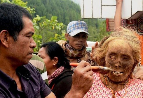 Party With Corpses (Extreme Indonesian Custom)