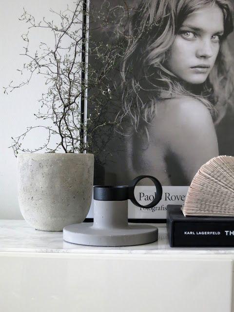 PLATEFUL OF LOVE, Ikea bestå med marmorskiva, poster från fotografiska