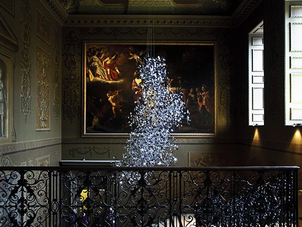 London based, Danish design collective Studio Roso have created a special chandelier for the grand rooms of Hampton Court Palace in Surry, England.