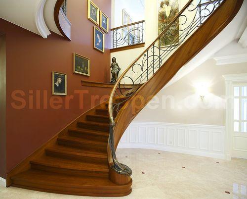 escalera circular con zancas laterales (estructura y peldaños de madera) VENICE CLASSIC Siller Stairs