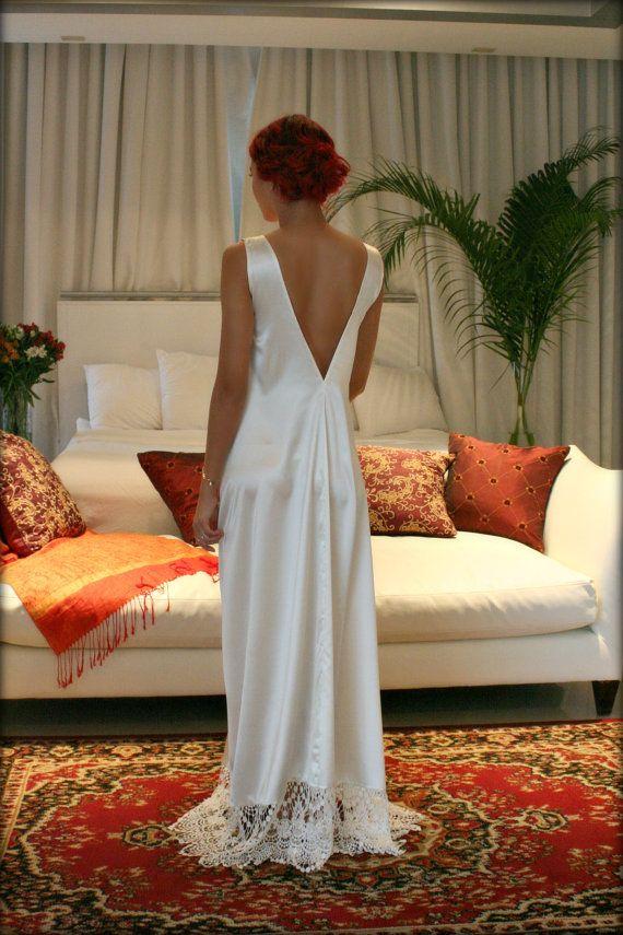 Robe de mariée de chemise de nuit Satin hors par SarafinaDreams