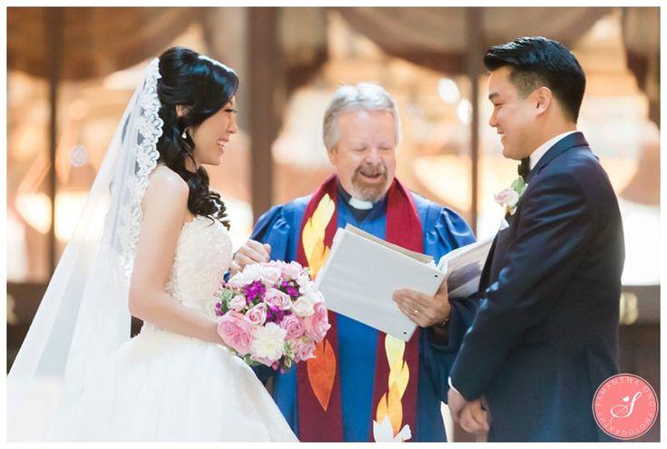 Wedding Ceremony   An Elegant Chinese Wedding at LIUNA Station in Hamilton    © 2016 Samantha Ong Photography www.samanthaongphoto.com #samanthaongphoto #weddingphotography #weddings #weddingphotos