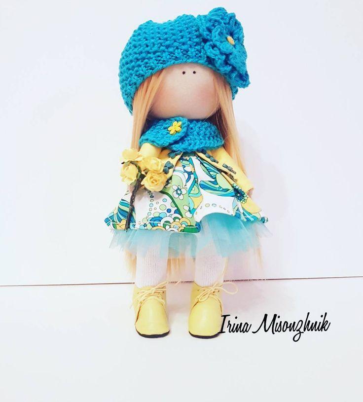 32 отметок «Нравится», 2 комментариев — Аксессуары 👜текстильные куклы🌸 (@irina_misonzhnik_) в Instagram: «Давно я не шила кукол. Куколка выполнена на заказ. Скоро новый год, пора задуматься о подарках.…»