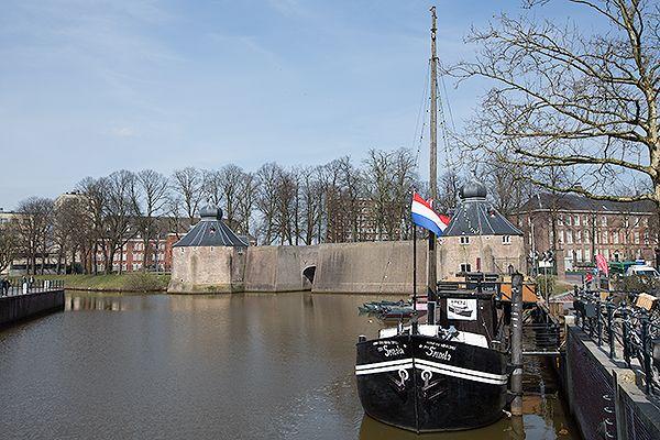 Het Spanjaardsgat waar in 1590, door de list met het Turfschip, Breda weer in handen kwam van de Nederlanden. © Hans Couwenbergh Photography