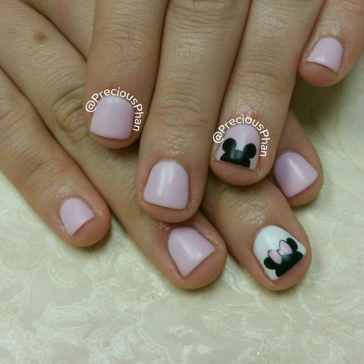Minnie mouse and mickey mouse. Disneyland nails. #PreciousPhanNails