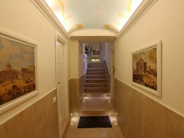 Piazza Navona apartments still open for this coming Holiday Season http://www.rome4all.com/en/holiday-apartment-rome/85/Apartment-Holiday-apartment-Rome-Piazza-Navona-Elegant