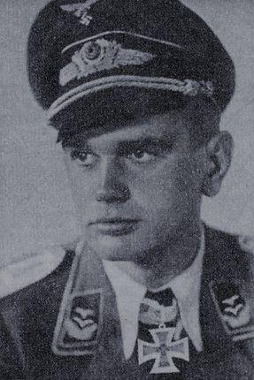 """Leutnant Gerhard Schacht (1916-1972), Führer Sturmgruppe """"Beton"""" in der Fallschirmjäger Sturmabteilung """"Koch"""", Ritterkreuz 12.05.1940"""