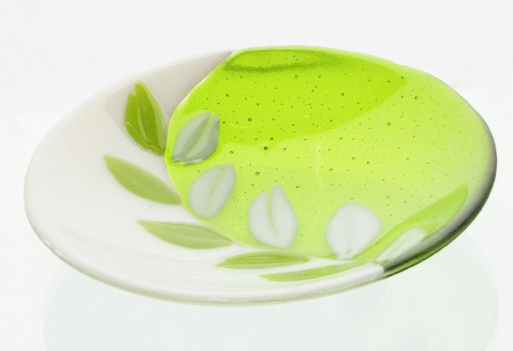 fused glass bowl w/ leaves- dorte pape