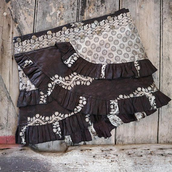 S-M TWISTED DAISY Ruffle Skirt: Silver Tribal Belly