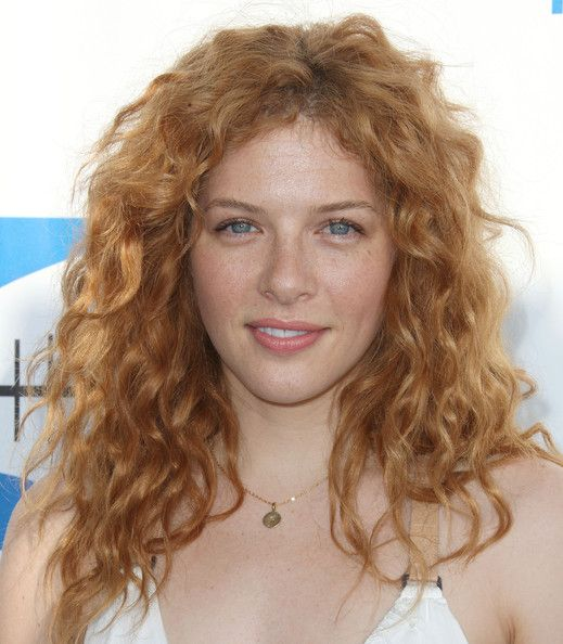 Rachelle Lefevre is stunning with minimal makeup. She makes my heart skip a beat and then some. My favorite on the Dome.
