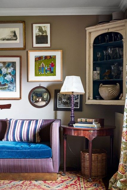 Attractive Hampshire Farmhouse Sitting Room   We Take A Look At The Work Of Antique  Dealer,