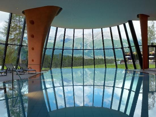 10 piscine coperte incredibili - Grand Hotel Kronenhof Pontresina, Svizzera