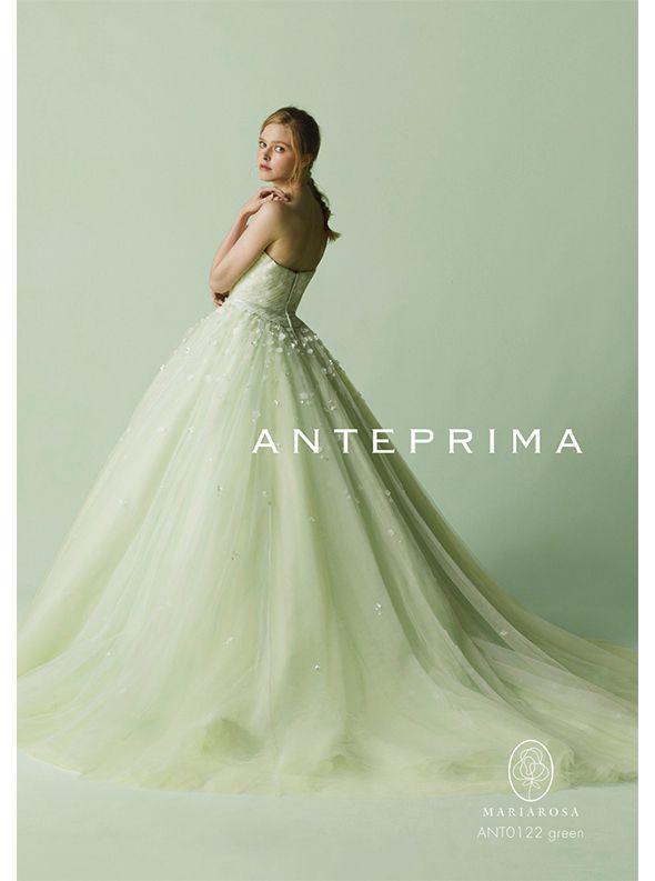 アクア・グラツィエがセレクトした、ANTEPRIMA(アンテプリマ)のウェディングドレス、ANT0122をご紹介いたします。