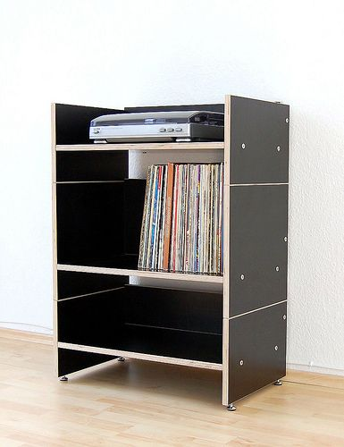 Hifi Regal, Mediaregal ROADIE aus schwarzem Multiplex. Hifi rack, shelf for record player and records made of black plywood. Prototyp.  (Available in white.)