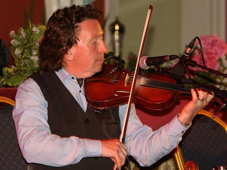 Frankie Gavin & De Dannan Concert in St Declan's Church Ardmore @ Ardmore Pattern Festival.Photo;Dan McGrath/Editorial Images.