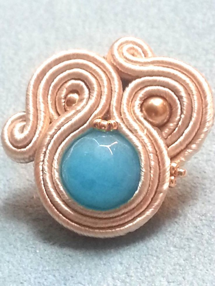 Anello in soutache con agata azzurra. Soutache ring with blue agate. www.annodarte2013.blogspot.it