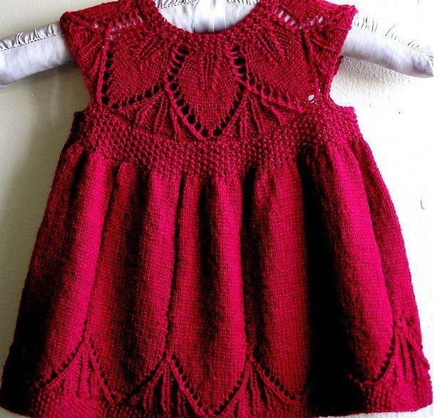 kalın ipten bebek örgü elbise modeli