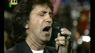 George Dalaras - Canto General (live), via YouTube.