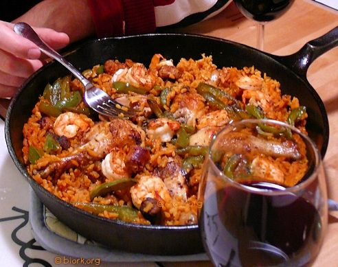 Slow Cooker Easiest-Ever Paella - I added some tumeric, salt, black pepper, fresh chopped garlic, and red pepper flakes to this. Used zatarrans spanish rice, fresh onion and raw shrimp instead of cooked shrimp. Came out amazing and the boyfriend is already putting in a request for me to make it again!