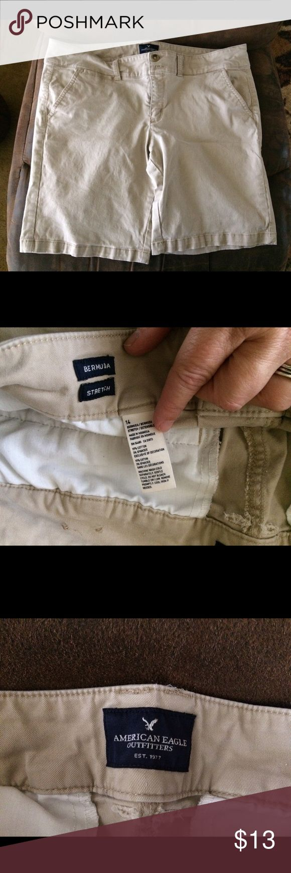 American Eagle Bermuda Stretch shorts 14 These are in excellent condition. They are flat front Bermuda stretch shorts. Pockets in the front and back. Size 14 American Eagle Outfitters Shorts Bermudas