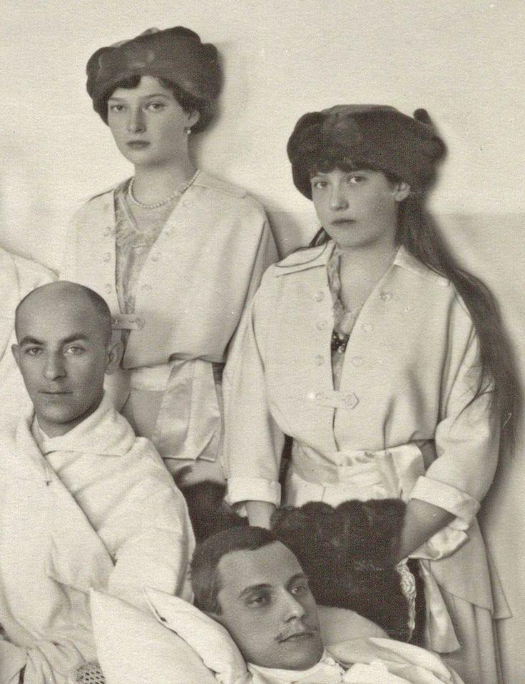 Tatiana Nikolaevna and Anastasia Nikolaevna during a visit to the Tsarskoe Selo infirmary, spring 1915