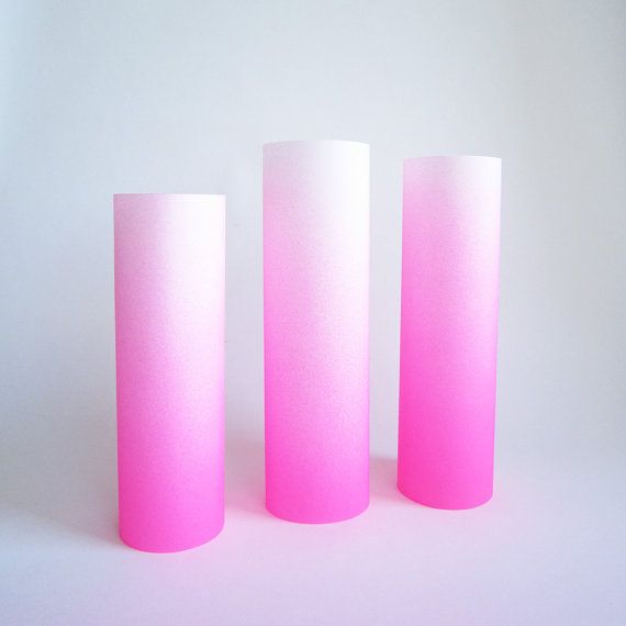 Retrouvez cet article dans ma boutique Etsy https://www.etsy.com/fr/listing/207732210/deacutecoration-enfant-rose-fluo-en