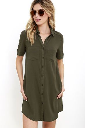 Your punctuation is on point, and so is your outfit, thanks to the Oxford Comma Olive Green Shirt Dress! Lightweight fabric constructs this woven shirt dress with a collared neckline, short sleeves (with button tabs), and front patch pockets. Full button placket. Hidden side seam pockets.