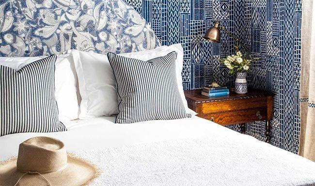 Una master class para decorar con azul y blanco por Anna Spiro: Halcyon House · A master class in blue & white