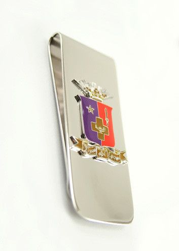 Sigma Phi Epsilon money clip with coat of arms. A classic design with intricate details. Rhodium plated for a brilliant and lasting finish. The perfect gift for your big/little bro or even yourself! C