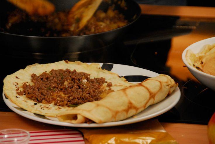 Clatite orientale- Pentru cina de azi vom trage si noi cu ochiul in stanga si-n dreapta ca sa facem ceva mai oriental.