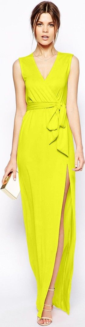 yellow chartreuse maxi evening dress for party or new year's eve -   http://www.boomerinas.com/2014/11/13/trendy-color-for-2015-yellow-green-lemon-lime-custard-chartreuse-citron-clothing-im-digging-it/