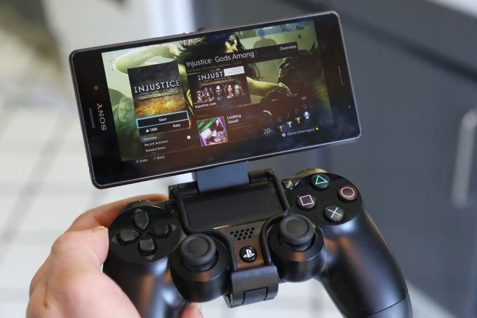 PS4 Remote Play Shines On The Xperia Z3 With The DualShock 4 Game Control Mount