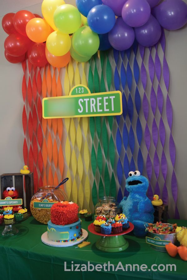 Table With Counts Cupcakes Elmos Goldfish Cookie Monsters Cookies And Big Birds Gummy Worms Sesamestreet Firstbirthday Elmo Birthdayparty