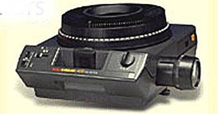 História do projetor carrossel de slides da Kodak. Muito antes de a fotografia digital vir a ser o que é hoje, as melhores imagens no mundo criado por amadores e profissionais técnicos foram slides. Estas eram imagens positivas registradas principalmente em película de 35 mm, como o Kodachrome e, mais tarde, Ektachorome da Kodak e de outras marcas e outras empresas.